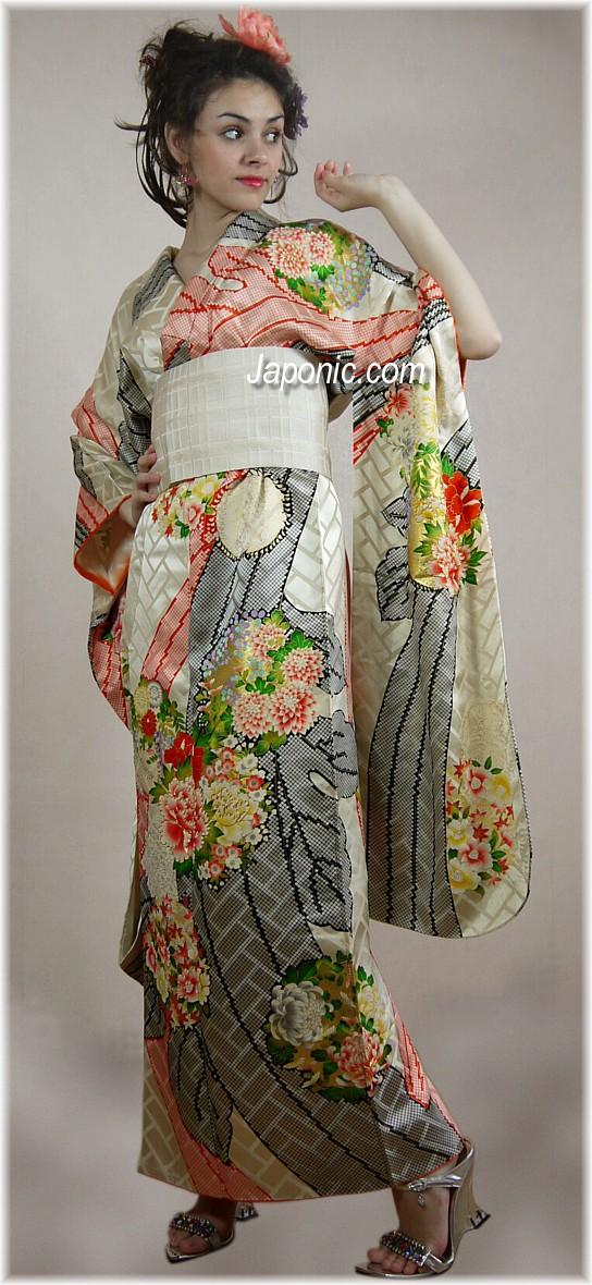 Japanese Traditional Hand Painted Silk Kimono 1960 S